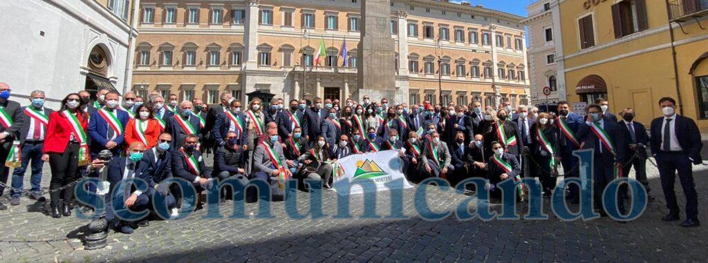 #DIRITTODI RESIDENZA – Zone franche montane, la protesta a Roma dei sindaci siciliani